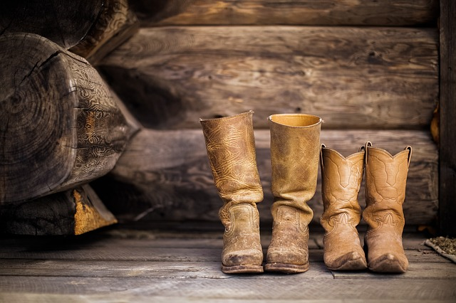 How to Clean Leather Boots Using Household Items